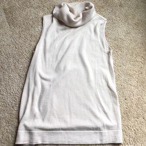 New! BCBG creme sleeveless sweater-S